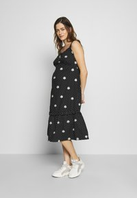 Dorothy Perkins Maternity - MATERNITY DAISY EMBROIDERED DRESS - Vestido ligero - black - 1