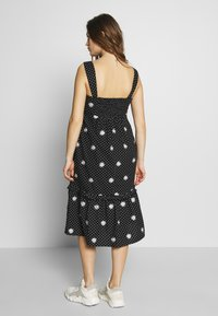 Dorothy Perkins Maternity - MATERNITY DAISY EMBROIDERED DRESS - Vestido ligero - black - 2