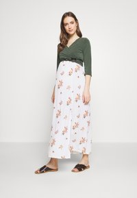 Dorothy Perkins Maternity - CAMI FLORAL CRINKLE DRESS - Długa sukienka - ivory - 1
