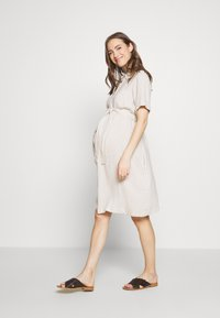 Dorothy Perkins Maternity - SHIRT DRESS - Košilové šaty - stone - 1