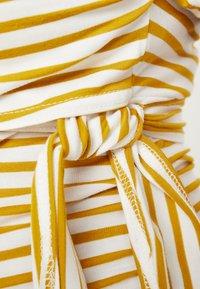 Dorothy Perkins Maternity - BALLET WRAP NURSING - T-shirts med print - ochre - 6