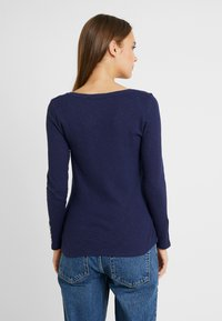 Dorothy Perkins Maternity - BUTTON SLEEVE - T-shirt à manches longues - navy - 2