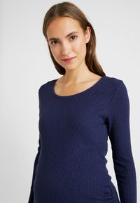 Dorothy Perkins Maternity - BUTTON SLEEVE - T-shirt à manches longues - navy - 3