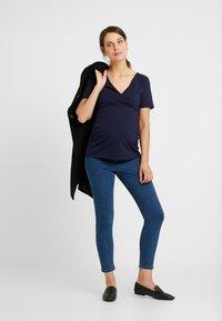 Dorothy Perkins Maternity - WRAP NUSING - T-shirt basic - navy - 1