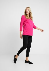 Dorothy Perkins Maternity - BUTTON DETAIL LONGSLEEVE - Long sleeved top - pink - 1