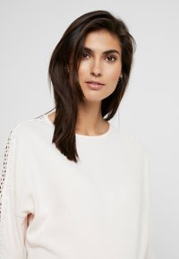 Dorothy Perkins Maternity - INSERT CUT AND SEW - Langærmede T-shirts - blush - 3