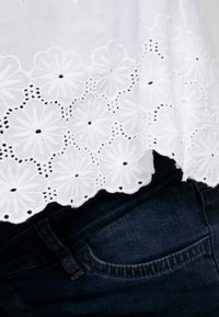 Dorothy Perkins Maternity - BRODERIE NURSING CAMI - Bluse - white - 4