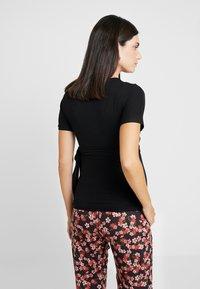 Dorothy Perkins Maternity - BALLET WRAP - T-shirt med print - black - 2