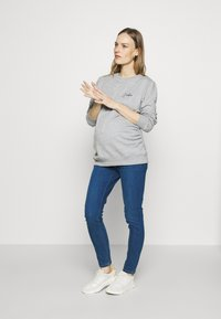 Dorothy Perkins Maternity - JADORE LOGO  - Sweater - grey - 1