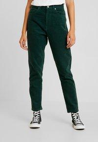 Dr.Denim - NORA - Pantalones - deep green - 0