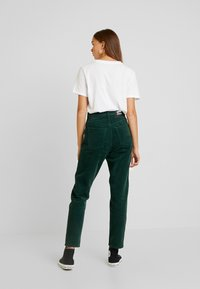 Dr.Denim - NORA - Pantalones - deep green - 3
