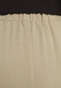 Dr.Denim - BELL TROUSERS - Pantalon classique - green agate - 6