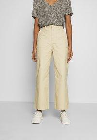 Dr.Denim - TUVA WORKER PANTS - Trousers - desert - 0
