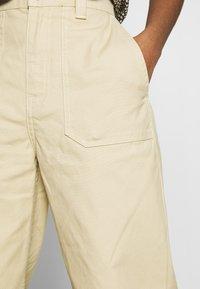 Dr.Denim - TUVA WORKER PANTS - Trousers - desert - 3