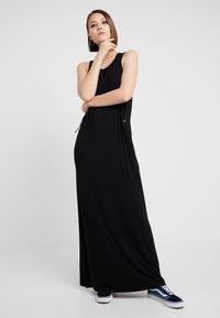 Dr.Denim - DAY DRESS - Maxi šaty - black - 2