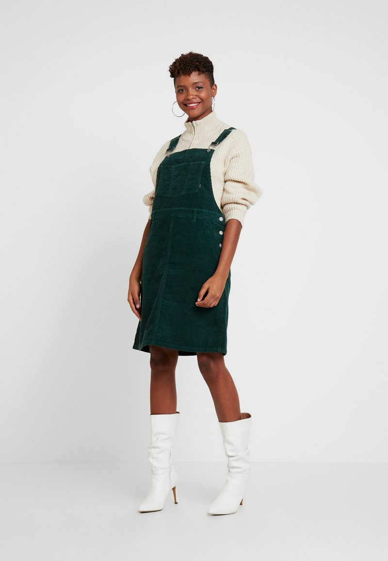 Dr.Denim - VIDA PINAFORE DRESS - Denní šaty - deep green