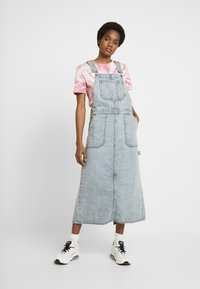 Dr.Denim - HANAE PINAFORE DRESS - Denim dress - downtown blue - 0
