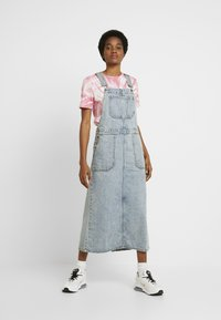 Dr.Denim - HANAE PINAFORE DRESS - Denim dress - downtown blue - 2