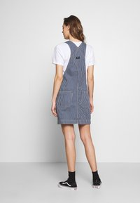 Dr.Denim - MICHIGAN PINAFORE - Denimové šaty - shift workers washed - 2
