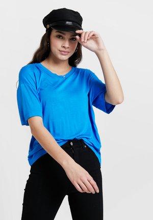 JACKIE TEE - T-shirt print - electric blue