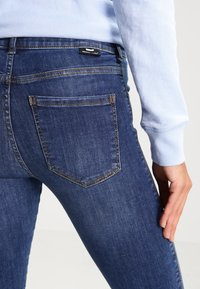 Dr.Denim - LEXY - Skinny džíny - organic mid blue - 4
