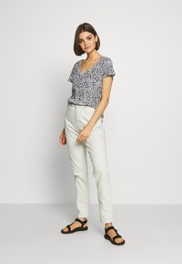 Dr.Denim - NORA MOM - Relaxed fit jeans - washed pinfire - 1