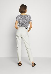 Dr.Denim - NORA MOM - Relaxed fit jeans - washed pinfire - 2