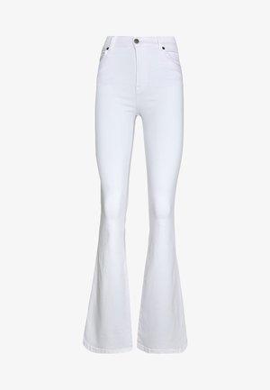 SONIQ - Bootcut jeans - white