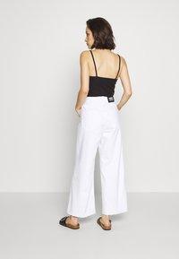 Dr.Denim - AIKO - Flared jeans - white - 2