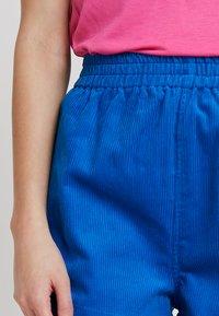 Dr.Denim - NADEJA - Shorts - electric blue - 4