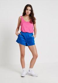 Dr.Denim - NADEJA - Shorts - electric blue - 1