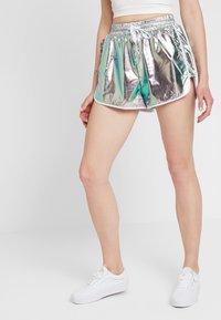 Dr.Denim - NYSSA - Shorts - silver - 0