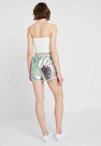Dr.Denim - NYSSA - Shorts - silver - 3