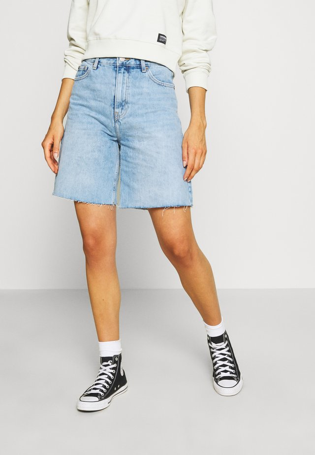 MEJA DENIM SHORTS - Jeans Shorts - destiny blue