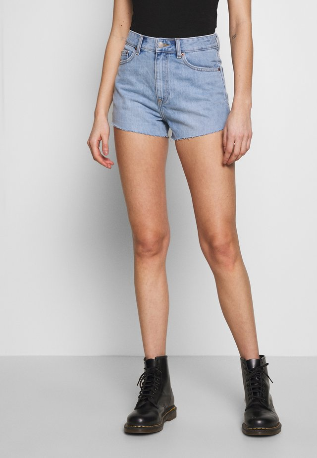 SKYE - Jeans Shorts - destiny blue