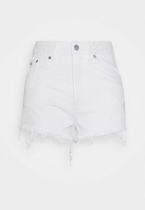 SKYE - Jeansshort - white