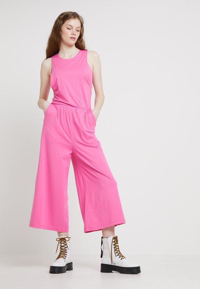 ORALIE - Jumpsuit - power pink