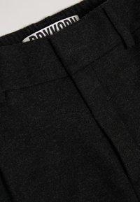 DRYKORN - FIND - Kalhoty - black - 4