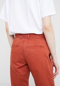 DRYKORN - BAD - Spodnie materiałowe - orange - 4