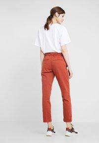 DRYKORN - BAD - Spodnie materiałowe - orange - 2