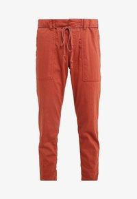 DRYKORN - BAD - Spodnie materiałowe - orange - 5