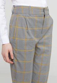 DRYKORN - SLIT - Kalhoty - grau - 4