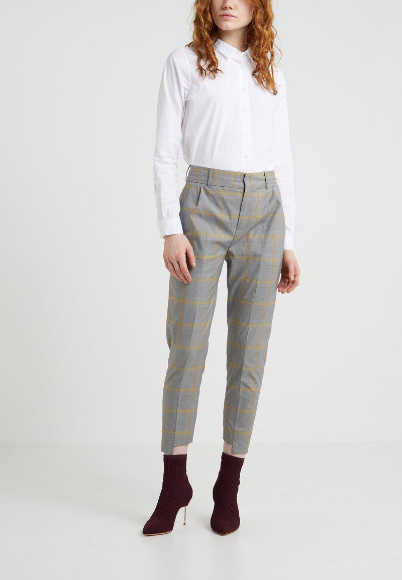 DRYKORN - SLIT - Kalhoty - grau