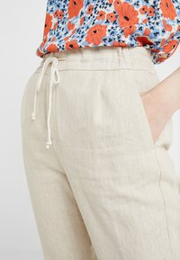 DRYKORN - LEVEL - Trousers - creme - 6