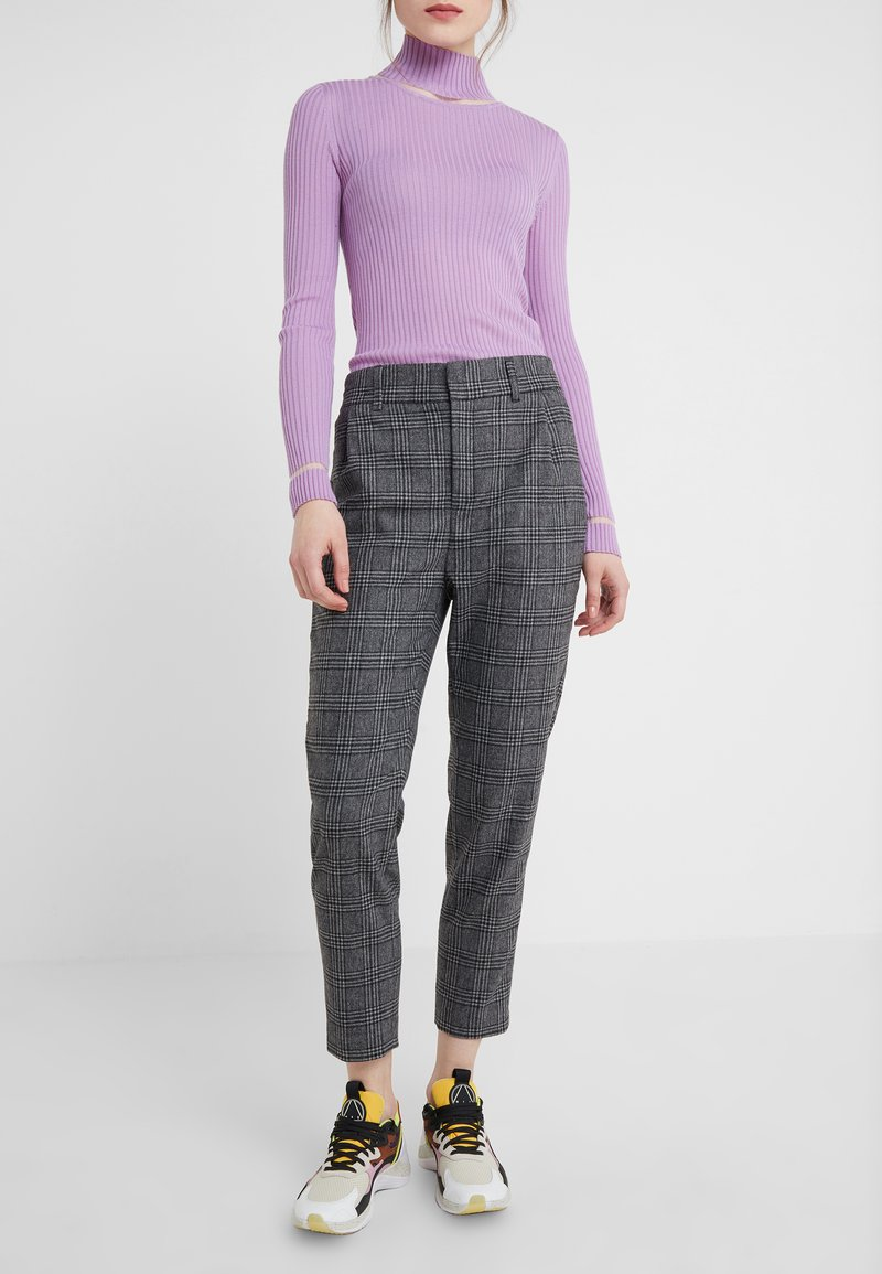 DRYKORN - FIND - Pantaloni - grey/black