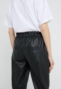 DRYKORN - ROPE - Kalhoty - black - 3