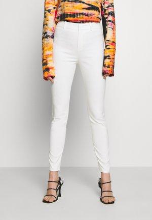 WINCH - Spodnie materiałowe - white
