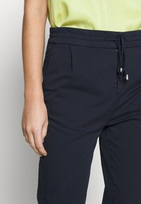 DRYKORN - LEVEL - Trousers - navy - 3