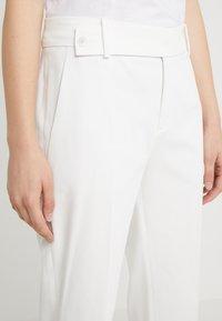 DRYKORN - BEGIN - Kalhoty - white - 3