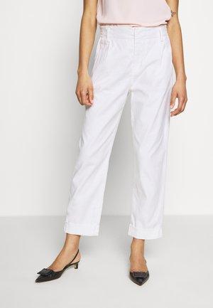 DISPATCH - Pantalon classique - white